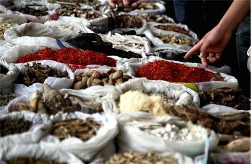 Kim ngạch nhập khẩu nguyên phụ liệu dược phẩm tăng tháng thứ ba liên tiếp