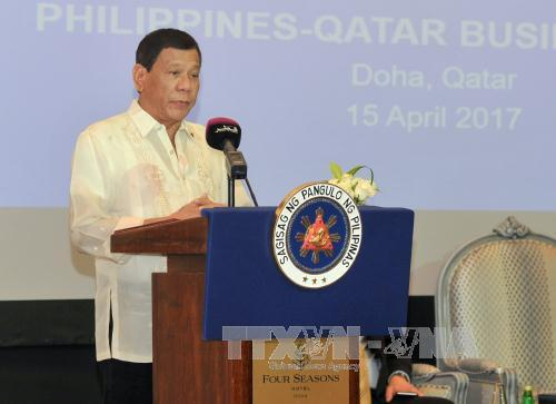 tong thong philippines rodrigo duterte tai hoi nghi doanh nghiep philippines - qatar o doha ngay 15/4. anh: epa/ttxvn