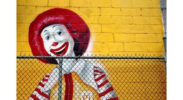 Nỗi đau của McDonald's: Đứng trên bờ phá sản