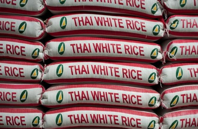 Thái Lan đau đầu giải quyết tình trạng thừa gạo trong kho dự trữ