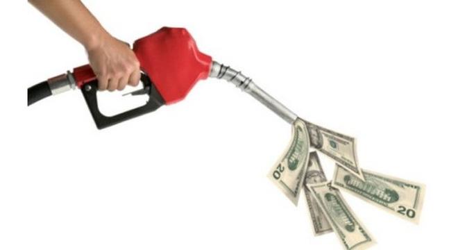 Nhập khẩu xăng dầu tăng về lượng nhưng giảm về kim ngạch