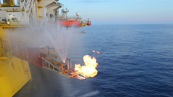 Triển vọng và thách thức từ băng cháy Biển Đông