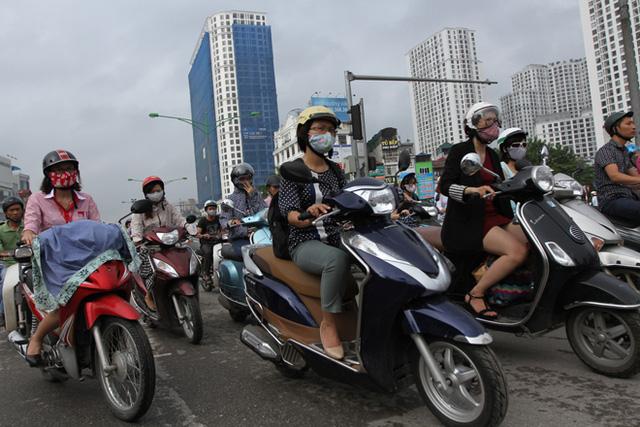 Hạ tầng chung cư ở Hà Nội: Dân chung cư khổ vì ngột ngạt