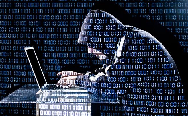 Chuyên gia máy tính Nga bị bắt tại Tây Ba Nha vì bị nghi ngờ tạo virus có lợi cho Trump thắng cử?