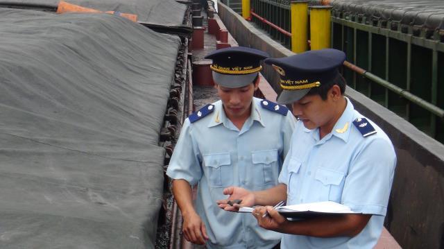 Giải đáp vướng mắc về thủ tục hải quan với hàng hóa gia công xuất khẩu