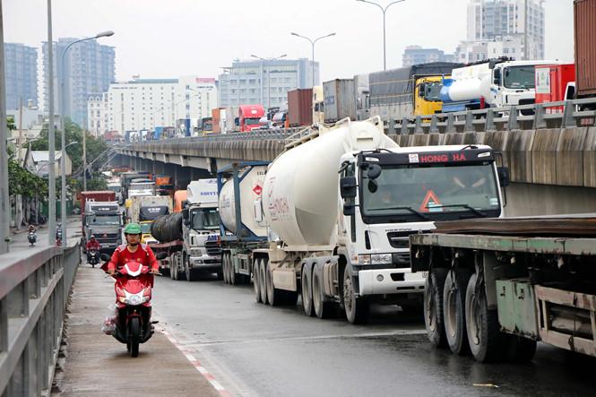 Hàng hóa tăng giá theo xăng dầu