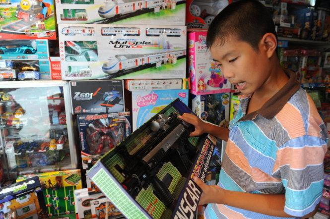 Nghĩ gì khi hàng nhập từ Trung Quốc tăng kỷ lục?