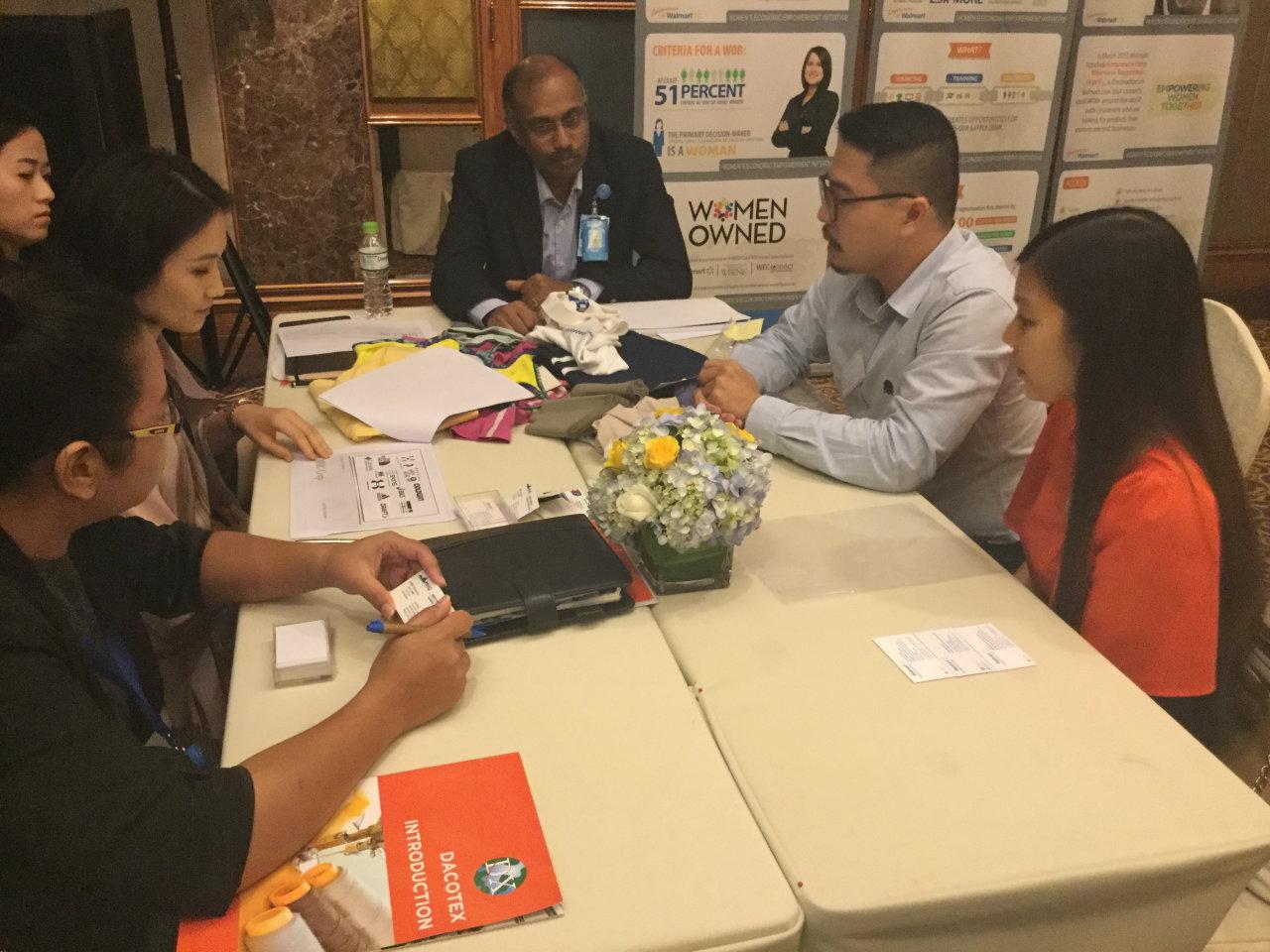 Làm gì để hàng Việt vào  chuỗi bán lẻ toàn cầu?
