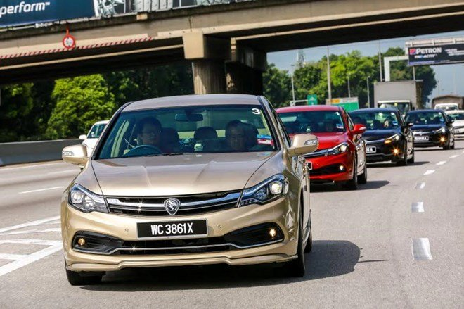 xe proton tren duong pho malaysia. (nguon: new straits times)