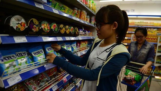 """""""Cuộc chiến"""" bán lẻ: Người Thái dọn chỗ bán hàng"""