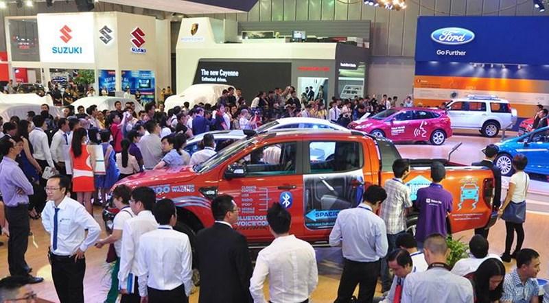 Ô tô nhập vào Việt Nam tiếp tục kêu khó vì Nghị định 116 - ảnh 1