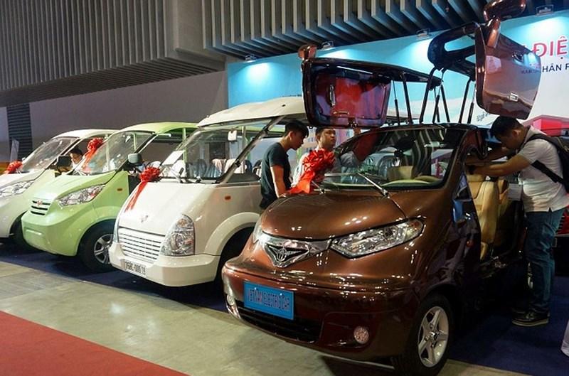 Ô tô điện 'made in' Việt Nam hút khách tại triển lãm quốc tế