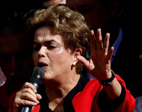 tong thong dilma rousseff cua brazil tham du le ky niem ngay le thang 5 tai sao paulo, brazil, 1-5-2016. (nguon: reuters/paulo whitaker)