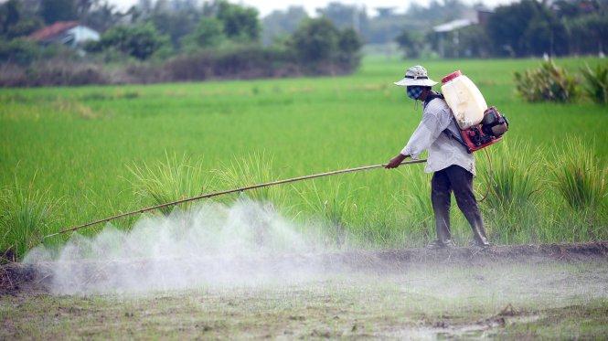 Nông nghiệp 'nghiện' hóa chất độc hại