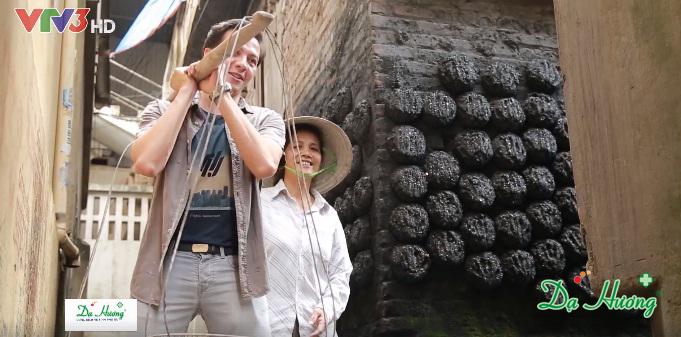 Hành trình đi tìm vẻ đẹp 'lạ' của phụ nữ Á Đông
