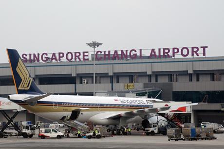 """Hơn 1.500 khách bị từ chối nhập cảnh Singapore, Vietjet """"cầu cứu"""""""