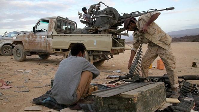 dan quan trung thanh voi tong thong abdu rabbu mansour hadi (yemen) chuan bi dan duoc tan cong quan houthi - anh: afp