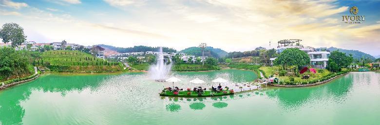 ivory villas & resort duoc bao boc boi 2000ha rung tu nhien, lung tua nui, ho truoc mat mang den cuoc song trong lanh va chat luong