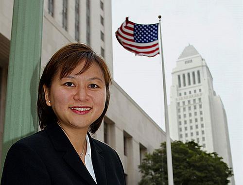 Chân dung nữ thẩm phán gốc Việt có thể vào tòa án tối cao Mỹ