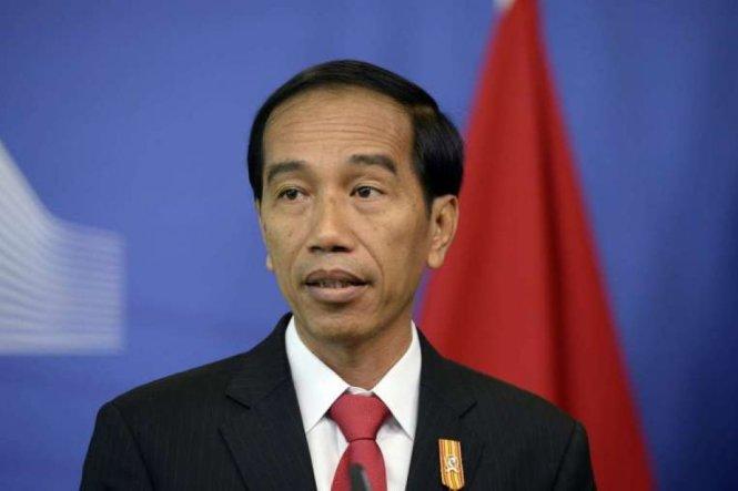 tong thong indonesia joko widodo vua chinh thuc thong qua cac hinh phat moi voi nhung toi pham au dam - anh: afp