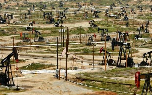 Vì sao Mark Zuckerberg lại quan tâm tới ngành dầu đá phiến?