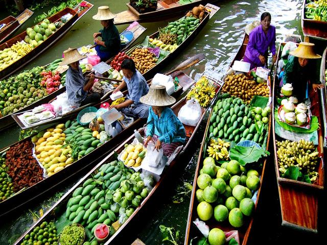 Khám phá những khu chợ nổi hấp dẫn trên thế giới