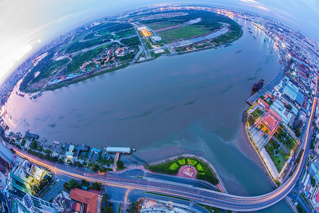 """Nguồn vốn FDI """"ào ạt"""" đổ vào bất động sản Việt Nam"""
