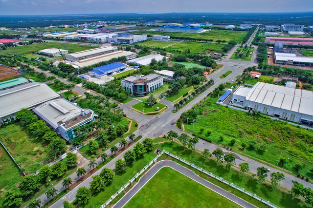 Bừng khí thế xây dựng đầu năm tại Khu công nghiệp Long Hậu và các dự án liên vùng