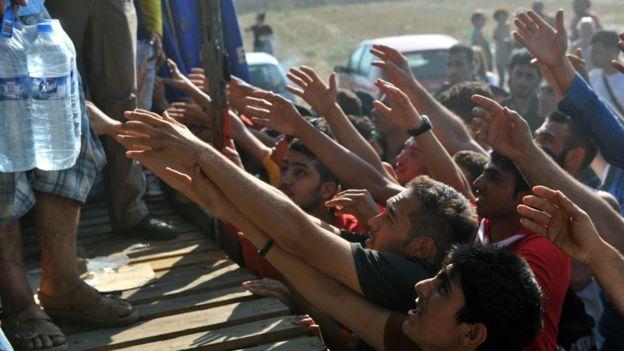 Khủng hoảng người nhập cư: Lỗ hổng trong nền dân chủ phương Tây?