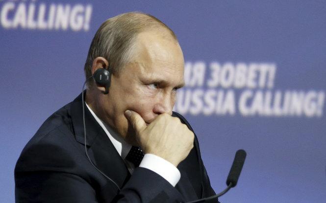 Kinh tế Nga lún sâu vào suy thoái, tăng trưởng âm 4,3%