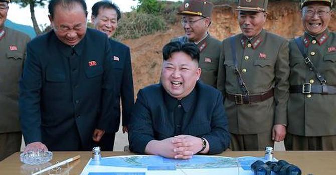 Triều Tiên đã 'kiếm' hàng tỷ USD viện trợ như thế nào?