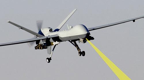 cac may bay khong nguoi lai co nho cua my se duoc trang bi vu khi laser de diet ten lua dan dao. anh:military