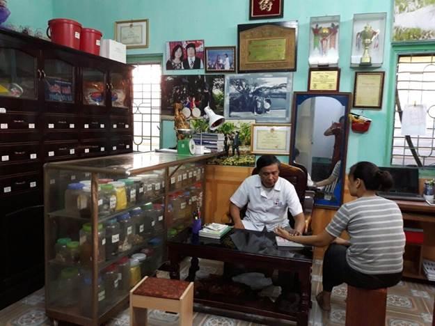 """Lương y Nguyễn Công Sáu – """"bậc thầy"""" chữa thoát vị đĩa đệm"""
