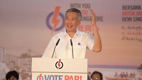 Thủ tướng Lý Hiển Long: 'Nhân phẩm yếu kém, đừng làm chính trị'