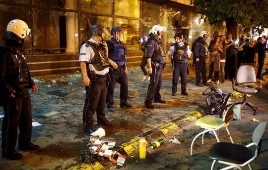Macedonia: Người biểu tình đập phá văn phòng tổng thống
