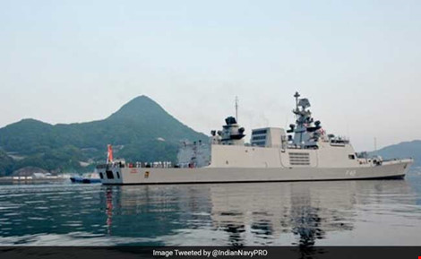 tau chien an do tham gia tap tran malabar 2016. (anh: india navy)