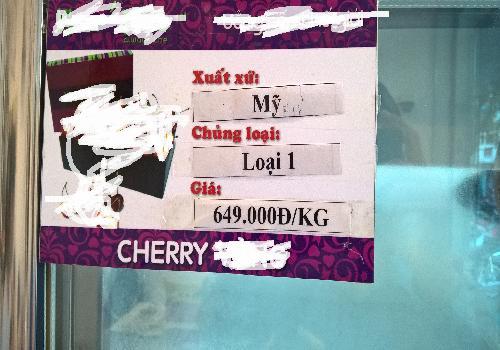 mot loai cherry co gia ban 650.000 dong/kg, gia cao so voi tren thi truong song khong ai dam chac day la nhung san pham co xuat xu o dau