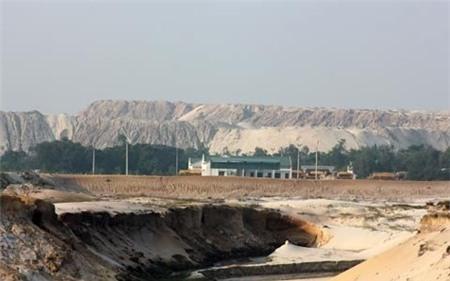 Hà Tĩnh đề nghị tạm dừng mỏ sắt lớn nhất Đông Nam Á