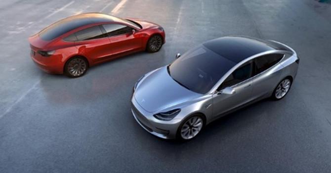 Chiêu marketing ngược đời của tỷ phú xe điện Mỹ