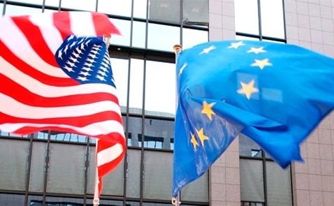 EU: 'Mỹ đang chĩa súng vào châu Âu'