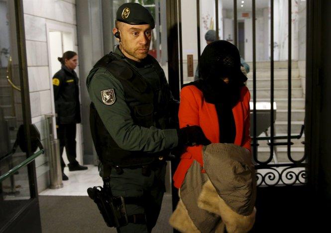 Tây Ban Nha bắt 5 nhân viên ngân hàng Trung Quốc nghi rửa tiền