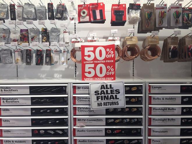 Chuỗi bán lẻ RadioShack chuẩn bị đóng cửa 1.430 cửa hàng.