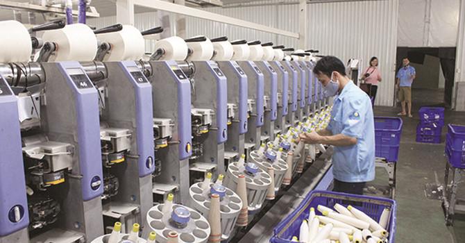 Phụ thuộc nguyên liệu của Trung Quốc, Dệt may Việt khó hưởng lợi từ FTAs