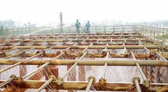 Nguồn cung nước sạch mới chỉ đáp ứng cho 1/2 dân số Hà Nội
