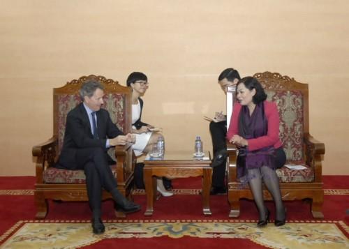Quỹ Warburg Pincus tìm hiểu tình hình kinh tế để đầu tư vào Việt Nam