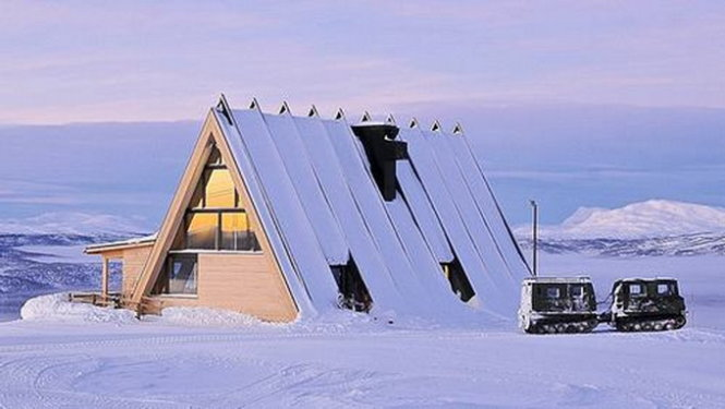 Nhà hàng mái nhọn độc đáo trên vùng tuyết trắng Thụy Điển