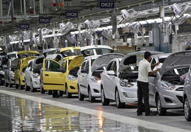Tình hình nhập khẩu ô tô theo tuần trong tháng 6 năm 2018