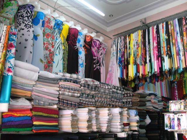 Vải may mặc nhập khẩu từ Trung Quốc chiếm 52% trong tổng kim ngạch