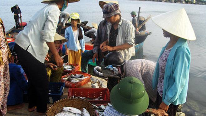 Du lịch Quảng Bình chuyển từ hải sản sang gà, bò, dê, thỏ