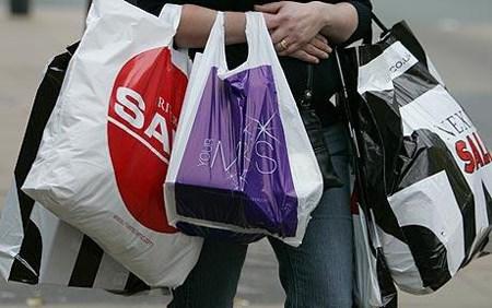 Tiêu thụ nhựa ở châu Á tăng nhờ thương mại điện tử, túi nylon
